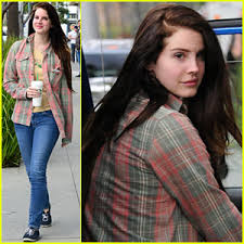 Lirik Lagu Lana Del Rey - Guns And Roses