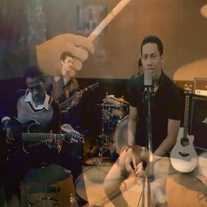 Lirik Lagu D'luna Band – Mawar