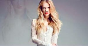 Lirik Lagu Florrie - Little White Lies